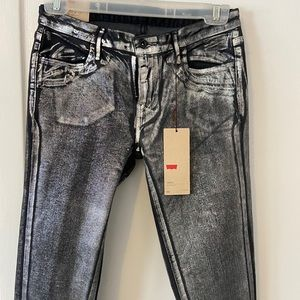 Levi's size 26 legging waxed finish, silver effect